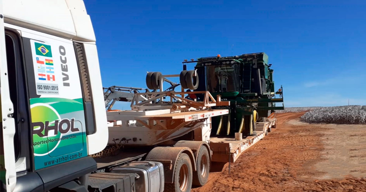 Cuidado com o transporte de máquinas agrícolas